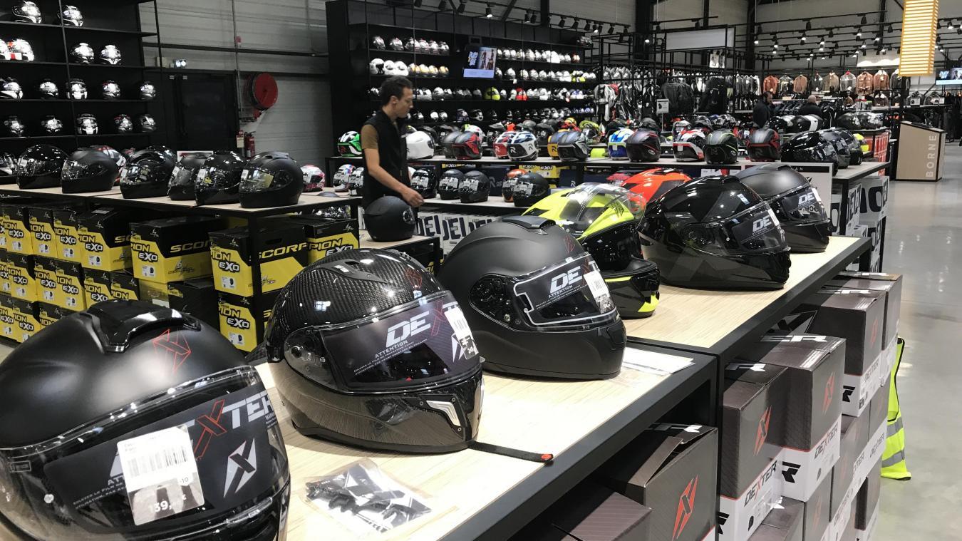 Magasin de casque moto